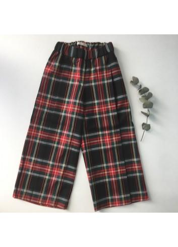 Pantalón capri tipo culotte de cuadros escoceses de la marca Mia y Lia.