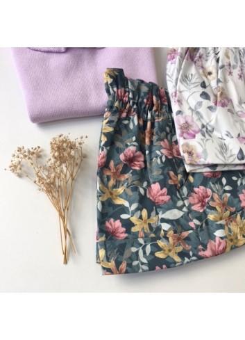 Bermuda de flores de en tonos verde agua y rosa de la marca Paloma de la O