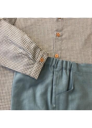 Conjunto formado por bermuda de lino verde agua y camisa cuello Mao vichy verde agua, de la marca Paloma de la O