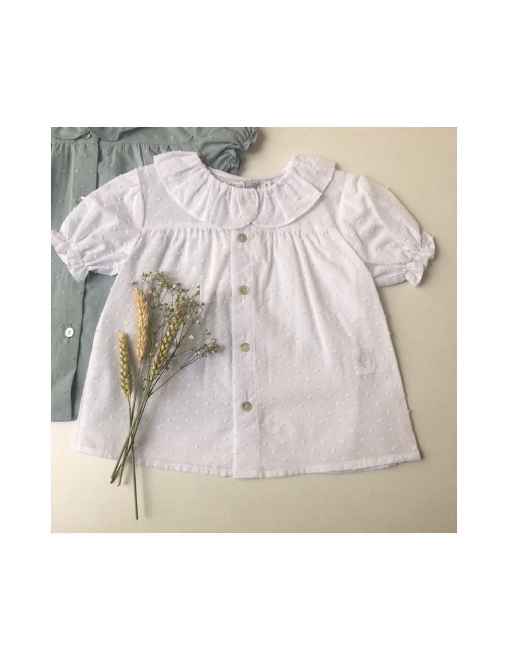 Blusa plumetti blanco cuello de volante de la marca Paloma de la O