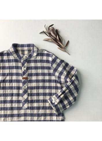 Camisa polera de cuadros gris azulado dela marca Mia y Lia.