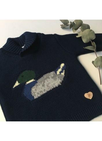 Sueter de punto azul marino con motivo de pato, dela marca Paloma de la O.