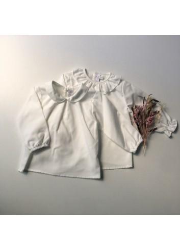 Blusa básica blanca de viella con cuello volante de la marca Paloma de la O