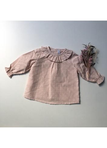 Blusa rosa de plumeti con cuello volante de la marca Paloma de la O