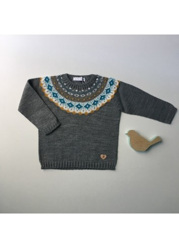 Sueter gris con cenefa mostaza y turquesa de la marca Paloma de la O