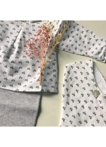 Blusa cuello bebé con estampado de vespas azules de la marca Al agua patos