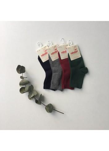 Calcetines lisos cortos de la marca Condor