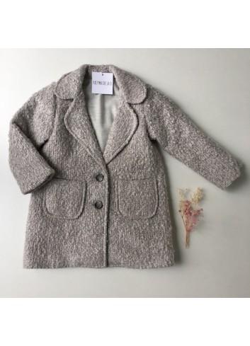 Abrigo de lana gris con bolsillos delanteros y cuello de solapas de la marca Paloma de la O