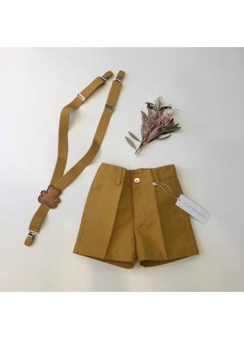 Pantalon corto sarga ocre de la marca Pilar Batanero.