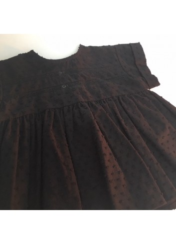 Blusa negra de manga corta de plumetti del a marca Mia y Lia
